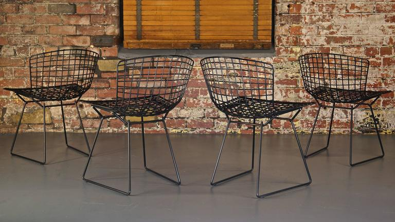 Set of 4 Harry Bertoia Wire Chair/Side Chair for Knoll, Black Metal For Sale 1