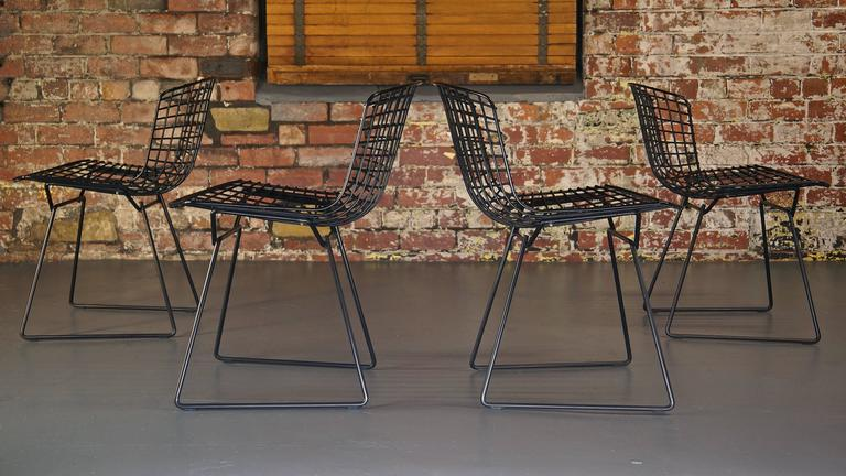 Set of 4 Harry Bertoia Wire Chair/Side Chair for Knoll, Black Metal For Sale 3