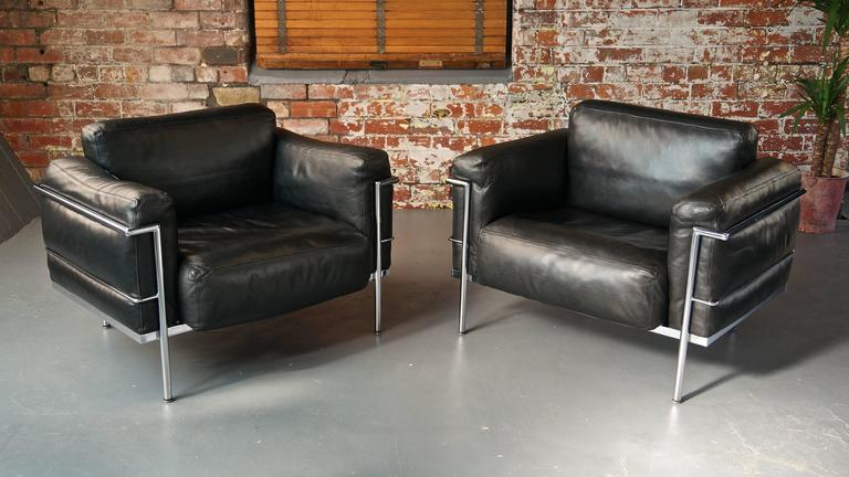 Mid Century Modern Pair Of Vintage Leather Le Corbusier Grand Confort LC3  Lounge Chairs Or