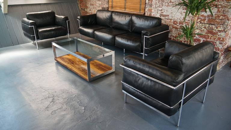 le corbusier lc3 grand confort living room set sofa and pair of lounge armchairs at 1stdibs. Black Bedroom Furniture Sets. Home Design Ideas