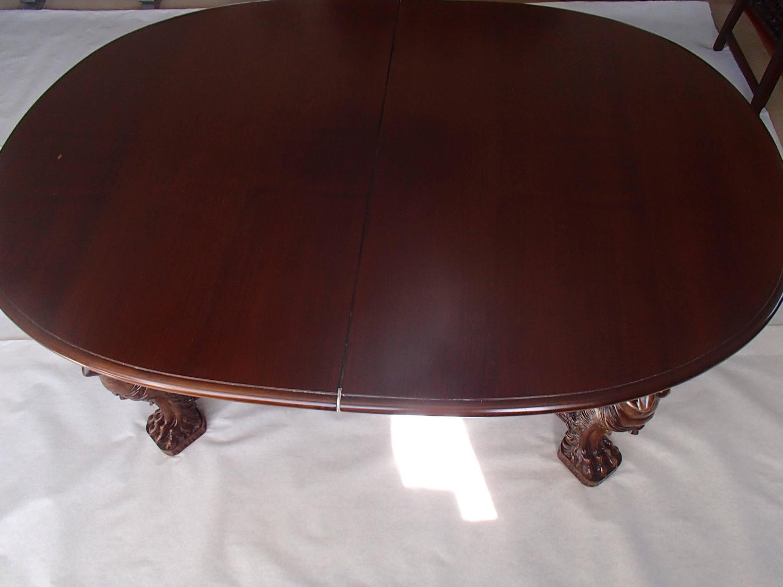 19th century mahogany oval dining table extensible up to for Dining table extensible