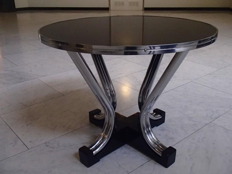 bauhaus round coffee table chrome and black at 1stdibs. Black Bedroom Furniture Sets. Home Design Ideas