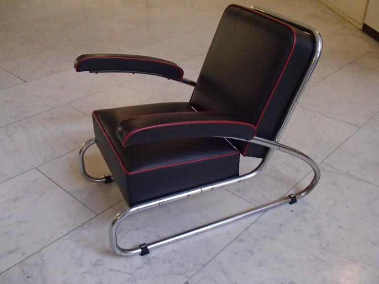 pair of gottwald bauhaus chrome black leather lounge chairs red for sale at 1stdibs. Black Bedroom Furniture Sets. Home Design Ideas
