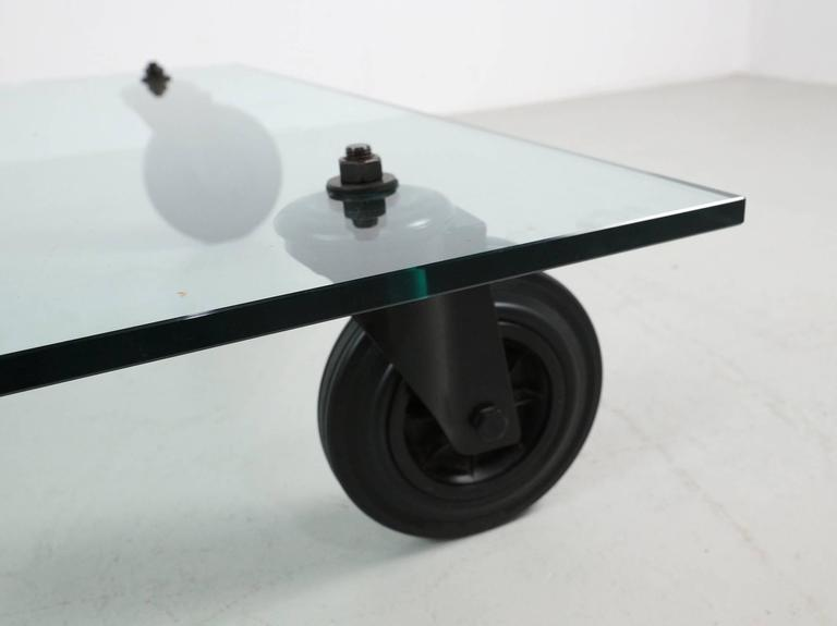 Glass coffee table gae aulenti tavolo con ruote at 1stdibs - Tavolo con ruote gae aulenti ...