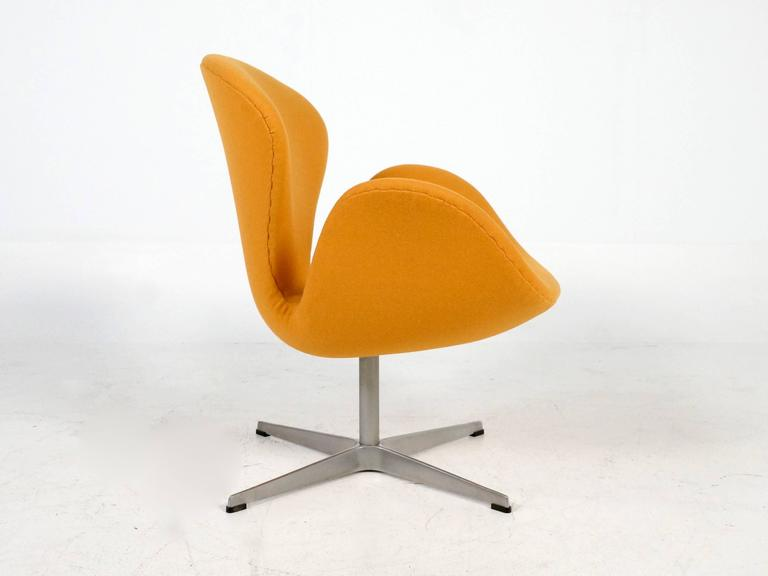 Yellow Swan Chair Jacobsen on Swivel Base 2
