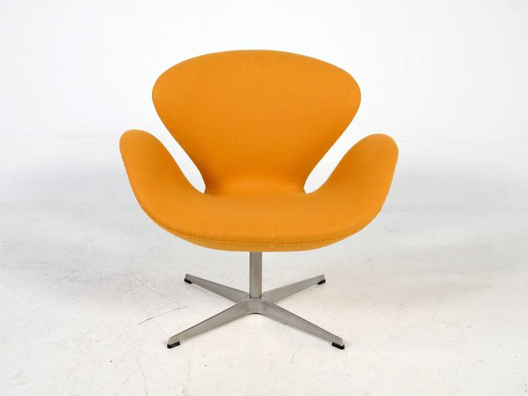 Yellow Swan Chair Jacobsen on Swivel Base 3