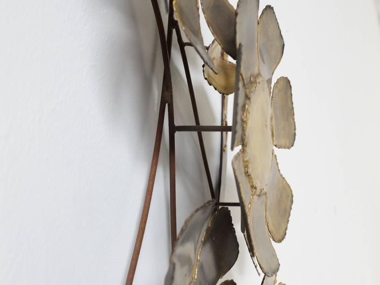 Brutalist Brass Flower Wall Sculpture Cliff Hyink In Good Condition For Sale In 's Heer Arendskerke, NL