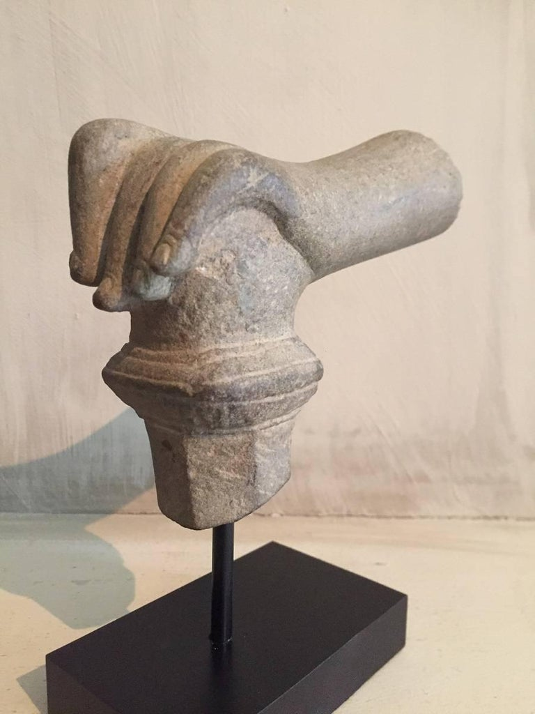 2 Khmer Stone Mudra Hands In Good Condition For Sale In Vosselaar, BE