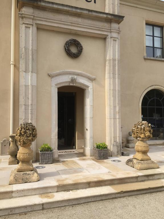 These so called 'Boucquets' were hand-carved in the late 17th century by French craftsmen. As the Baroque style found its French translation with Louis XIV architects and designers didn't stop at the castle gates. They also aspired to control nature