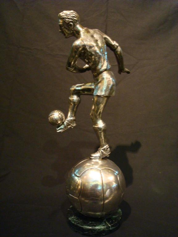 Football / Soccer Trophy Player Italian Bronze Sculpture, 1930s For Sale 1