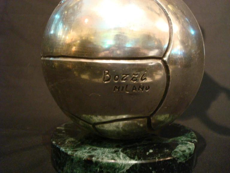 Football / Soccer Trophy Player Italian Bronze Sculpture, 1930s For Sale 3