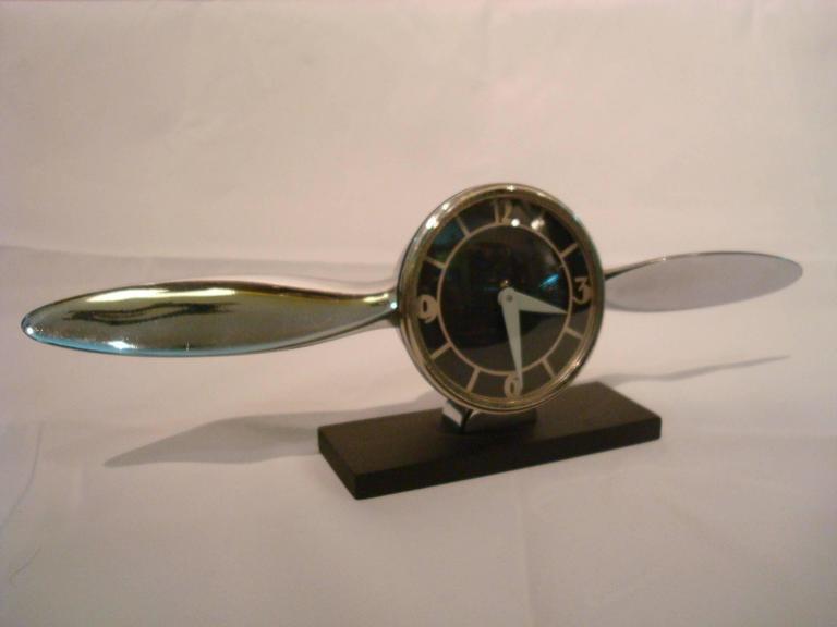 Art Deco, streamline airplane propeller desk clock. Lovely aviation item.
