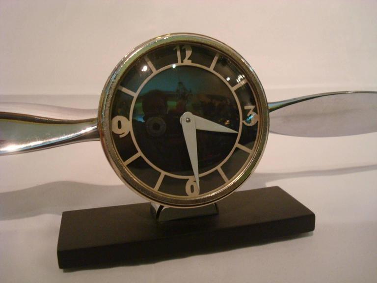 Unknown Streamline Airplane Propeller Desk Clock For Sale