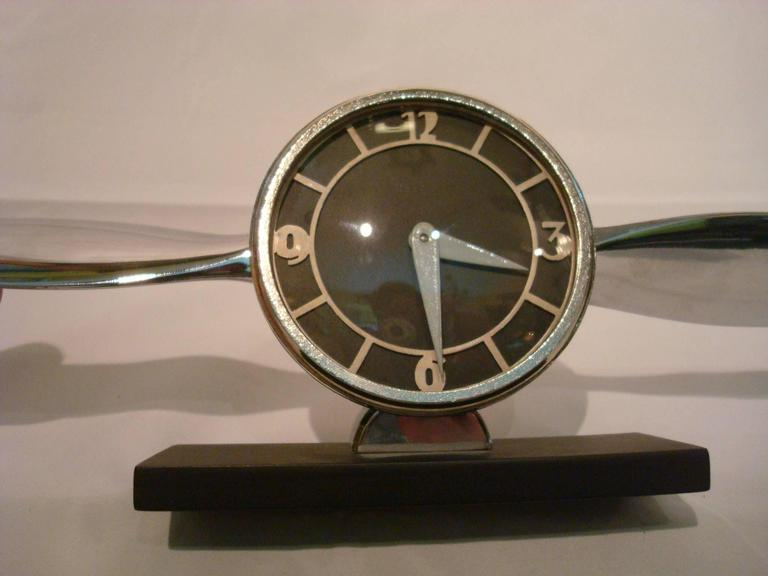 Streamline Airplane Propeller Desk Clock For Sale 1