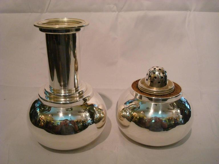 Mid-20th Century Art Deco Dumbbell Cocktail Shaker Mappin & Webb For Sale