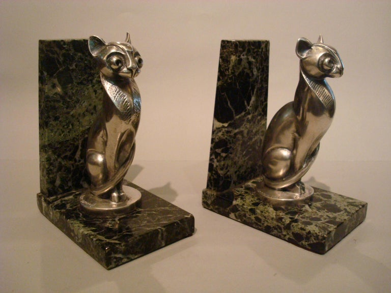 French Art Deco Becquerel Cat Silvered Bronze Bookends, France, 1920 For Sale