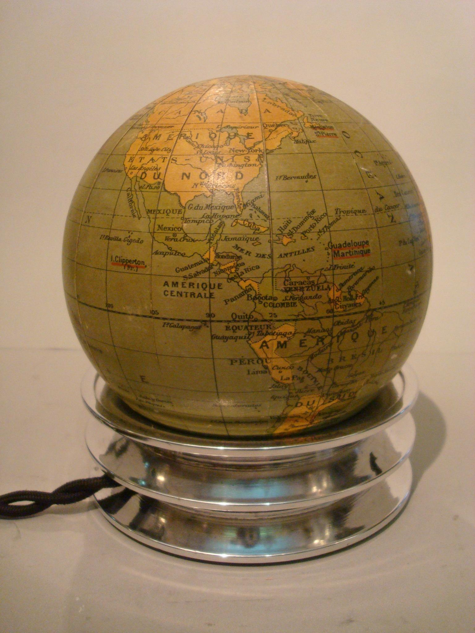 Illuminated Globe Table Lamp Www Topsimages Com