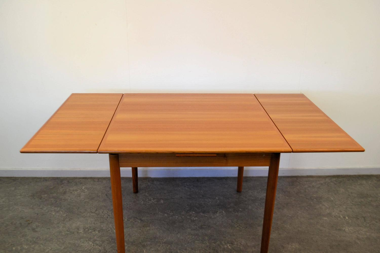 Mid-Century Modern Danish Design Teak Dining Table For Sale at 1stdibs