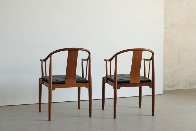Danish Pair Of Chinese Chairs In Cuban Mahogany By Hans J. Wegner For Sale