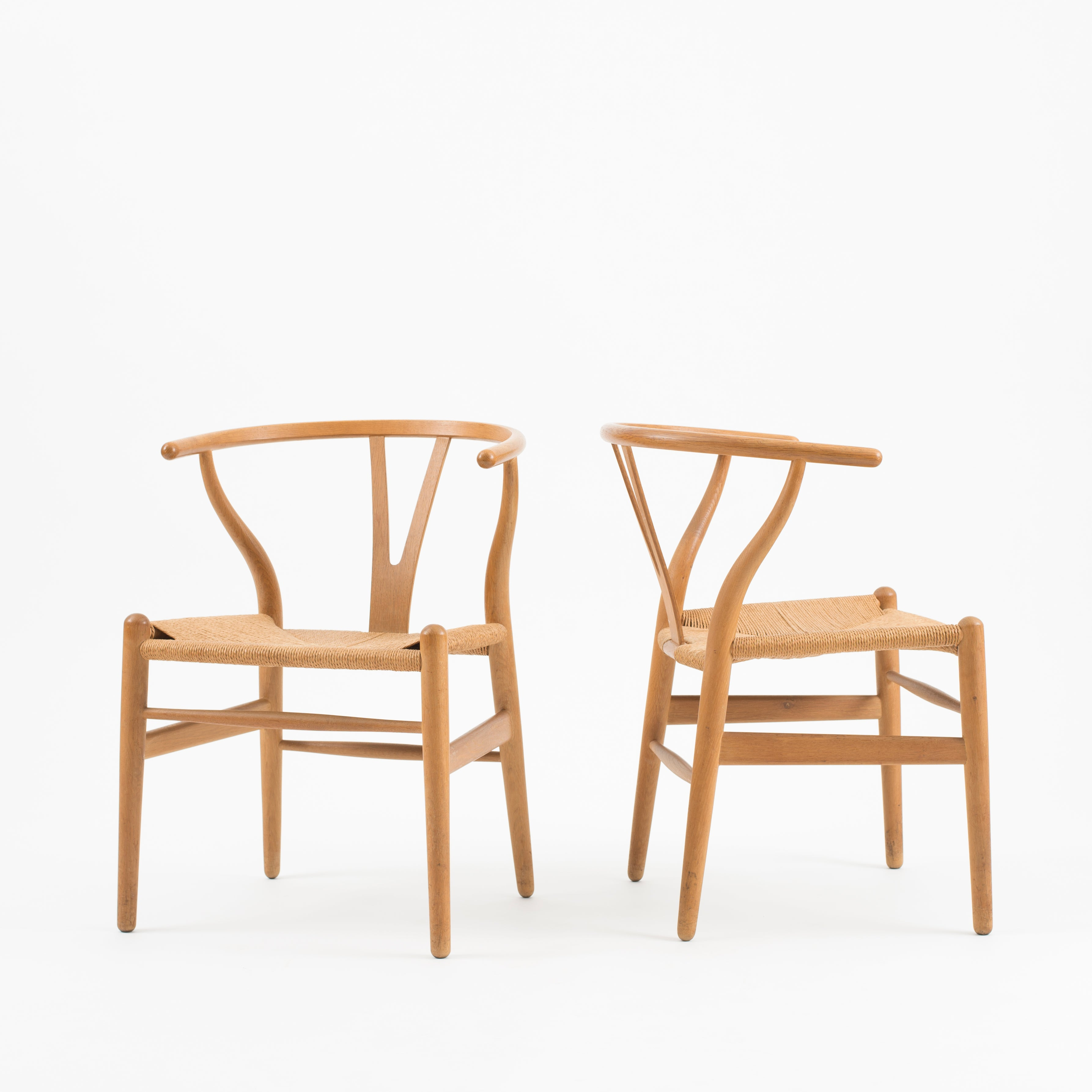 hans j wegner set of four wishbone chairs in oak for carl hansen