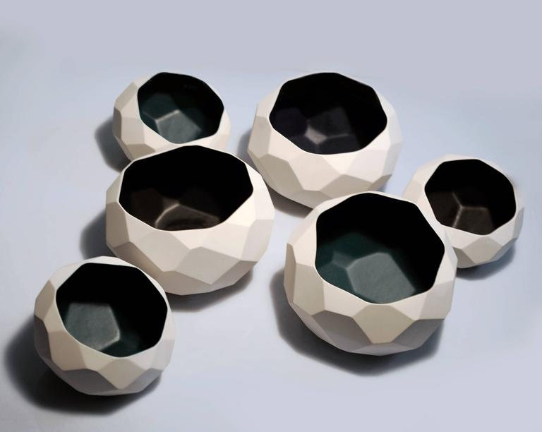 BOWL WALL SET  Faceted Ceramic Wall Installation Decoration In Good Condition For Sale In Naucalpan, Edo de Mex