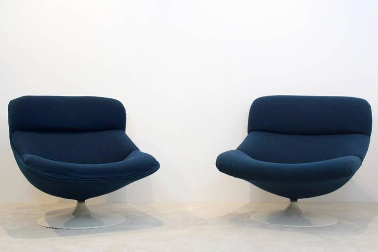 Beau Mid Century Modern Unique Set Artifort Swivel Lounge Chairs F518 And F522  By Geoffrey Harcourt