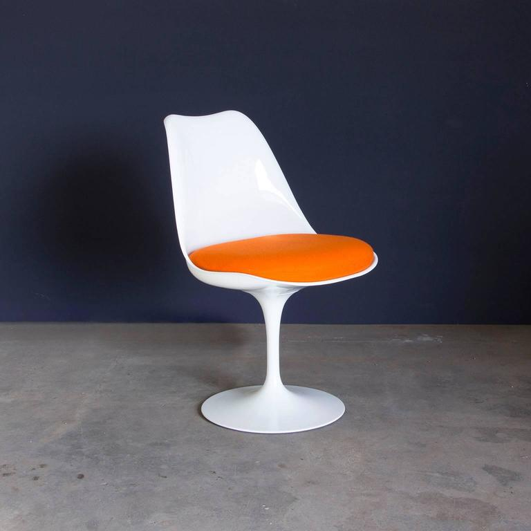 Eero Saarinen Early Original Tulip Chair In White With - Eero saarinen tulip table and chairs