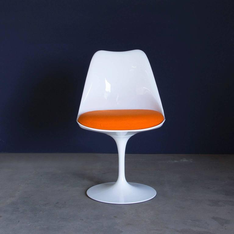 1956 Eero Saarinen Early Original Tulip Chair 151 In