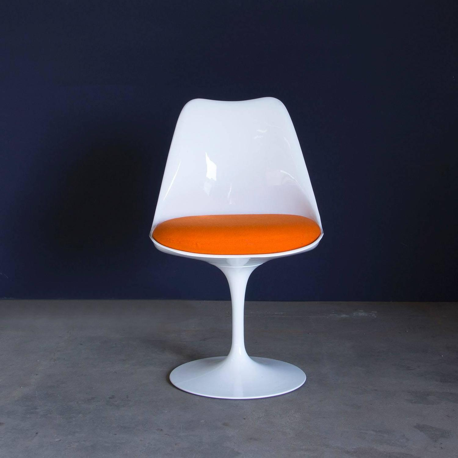 1956 Eero Saarinen Early Original Tulip Chair 151 In