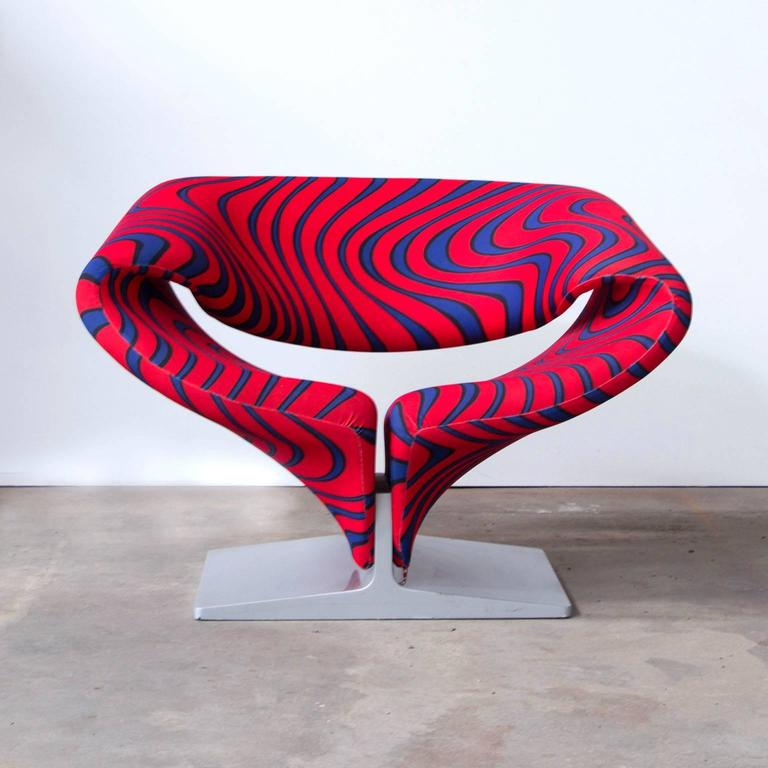 This Iconic And Innovative Ribbon Chair, Model 582, Designed By Pierre  Paulin For Artifort