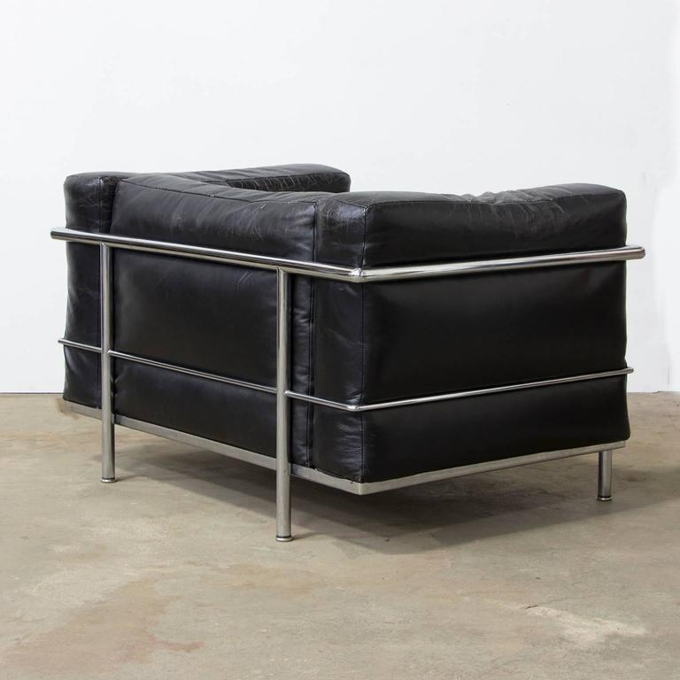 Bauhaus Le Corbusier, Very Early LC Three by Cassina in Chrome in Black Patin Leather For Sale