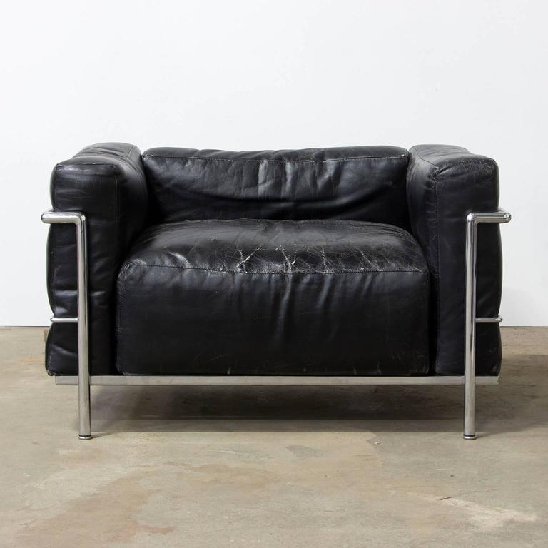 Le Corbusier, Very Early LC Three by Cassina in Chrome in Black Patin Leather In Good Condition For Sale In Amsterdam, North Holland
