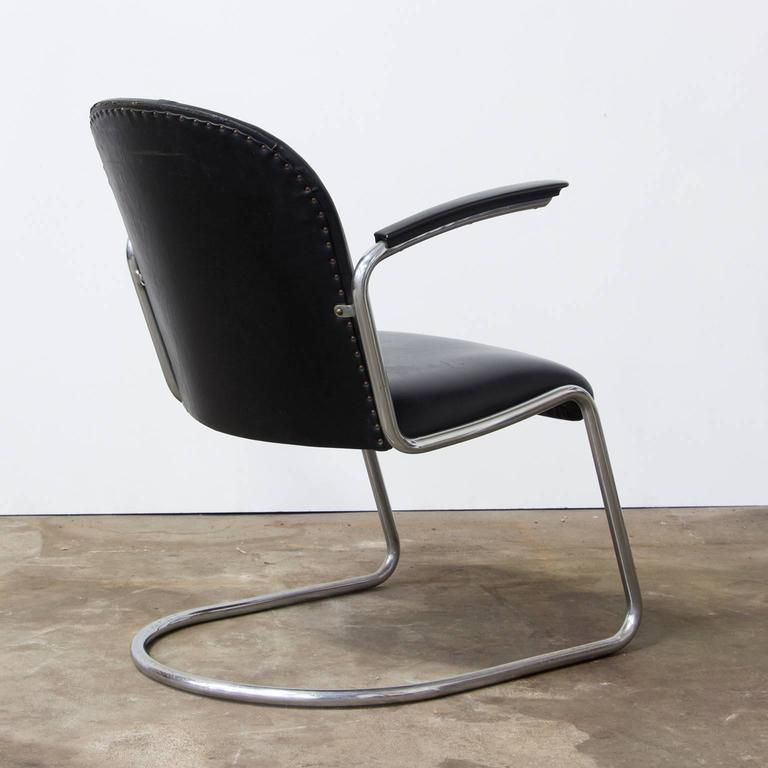 Bauhaus 1935, W.H. Gispen, by Gispen Culemborg, 413 Easy Chair in Original Black Vinyl For Sale