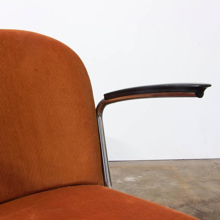 1935, W.H. Gispen by Gispen Culemborg, 413 Easy Chair in Terra Corduroi Fabric For Sale 1