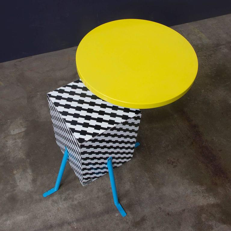 Late 20th Century 1981, Michele de Lucchi Kristall Side Table 'Robicara' for Memphis Milano For Sale