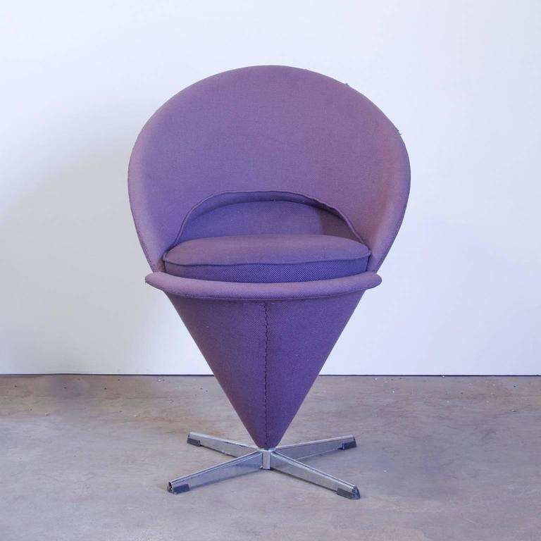 1958 verner panton for rosenthal cone chair in original purple linen fabric for sale at 1stdibs. Black Bedroom Furniture Sets. Home Design Ideas