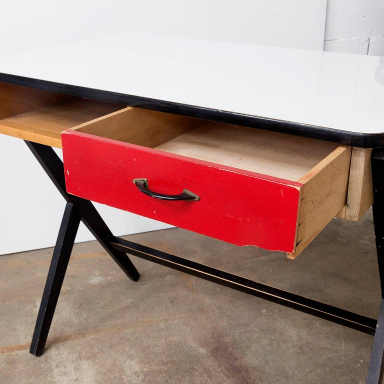 1954, Coen de Vries for Devo Wooden Writing Desk with Red Drawer and Formica Top For Sale 2