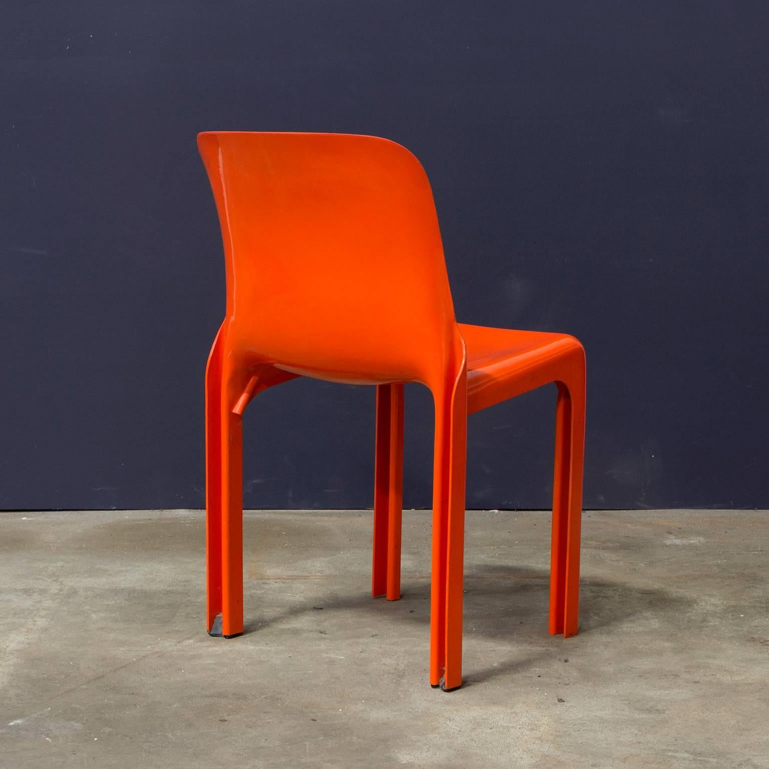 1969, Vico Magistretti For Artemide, Set Of Four Orange Selene Chairs For  Sale At 1stdibs