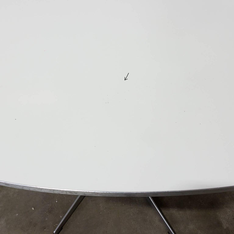 Mid-20th Century 1968 Arne Jacobsen Piet Hein Dining Table Circular Series Six Star Pedestal Base For Sale