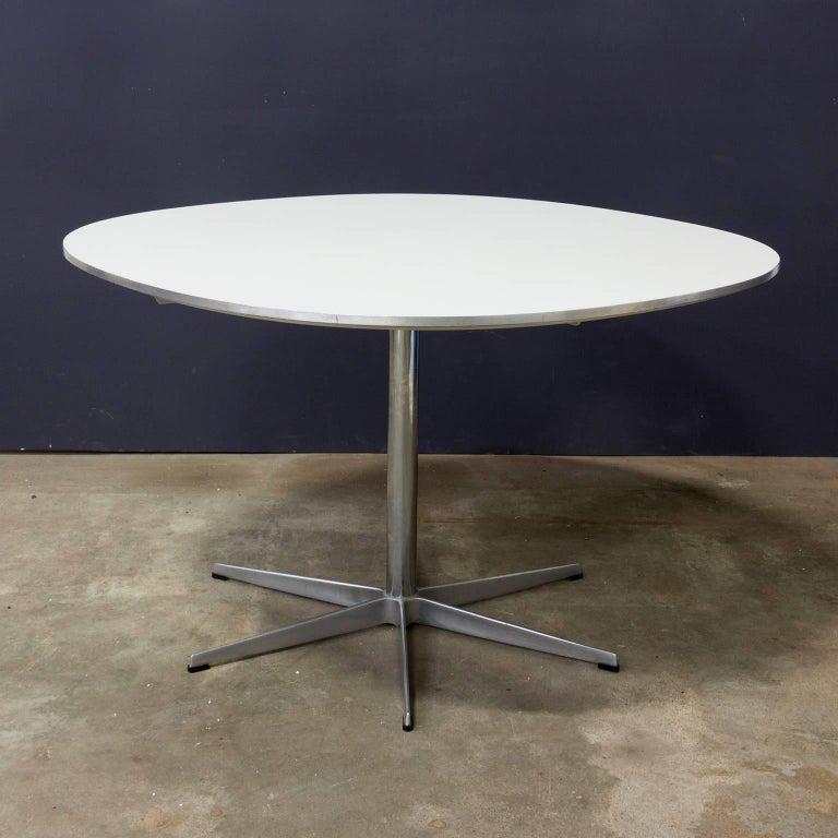 1968 Arne Jacobsen Piet Hein Dining Table Circular Series Six Star Pedestal Base For Sale 1