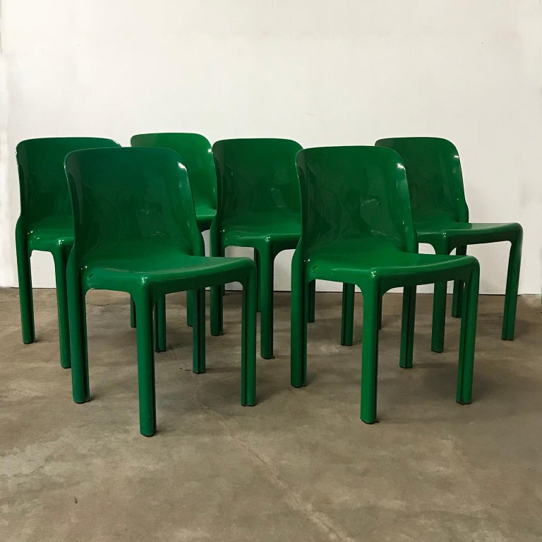 1969, Vico Magistretti for Artemide, Set of Four Green Selene Chairs For Sale 9