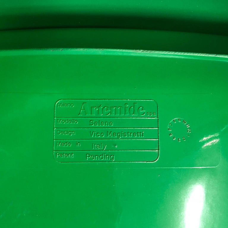 1969, Vico Magistretti for Artemide, Set of Four Green Selene Chairs For Sale 7
