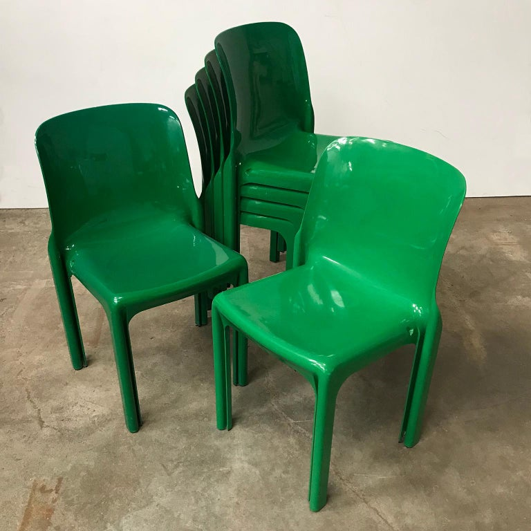 1969, Vico Magistretti for Artemide, Set of Four Green Selene Chairs For Sale 10