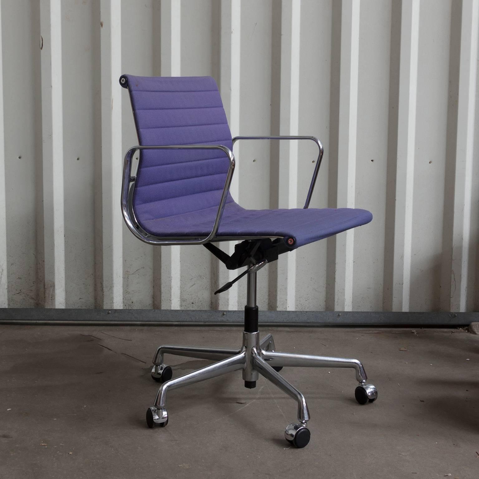 Pleasant 1958 Ray And Charles Eames Purple Adjustable Tilt Office Cjindustries Chair Design For Home Cjindustriesco