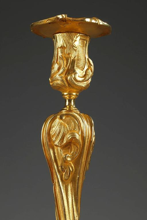 Pair of Gilt Bronze Candlesticks Decorated with Foliage and Animals In Good Condition For Sale In Paris, FR