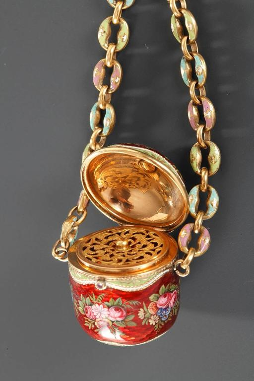 18th Century Gold and Enamel Vinaigrette For Sale 1