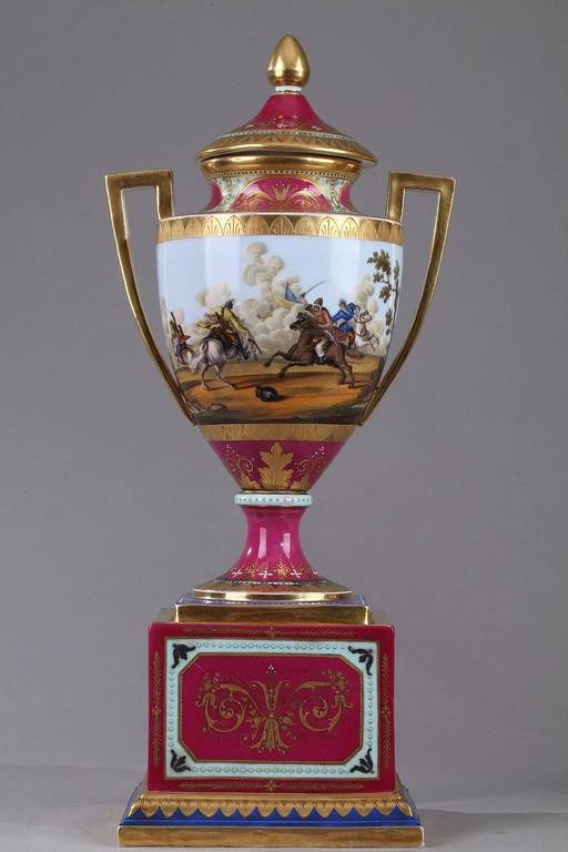 19th Century Pair of Vienna Porcelain Vases 1