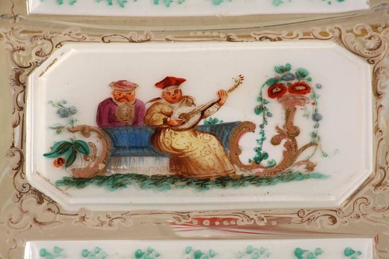 19th Century Bohemian Jewelry Box in Overlay, Biedermeier Period In Good Condition For Sale In Paris, FR