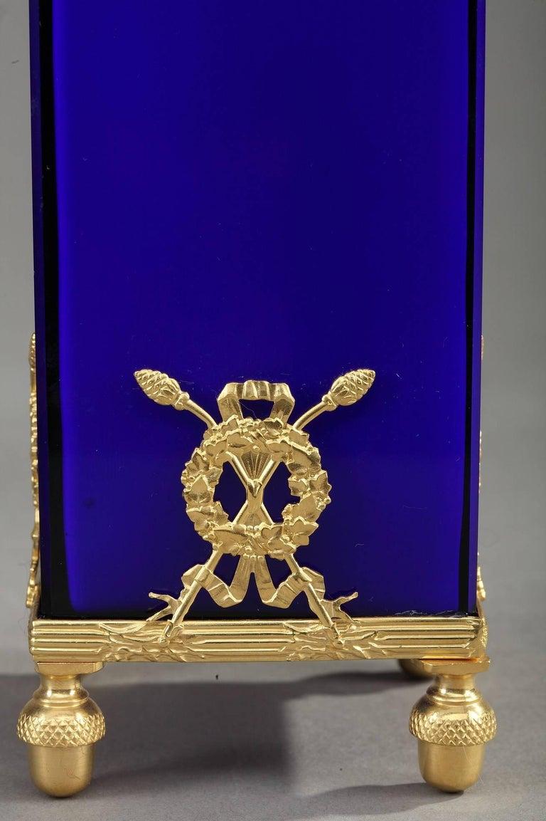 Art nouveau glass and bronze set with engraved decoration for Art nouveau decoration ameublement
