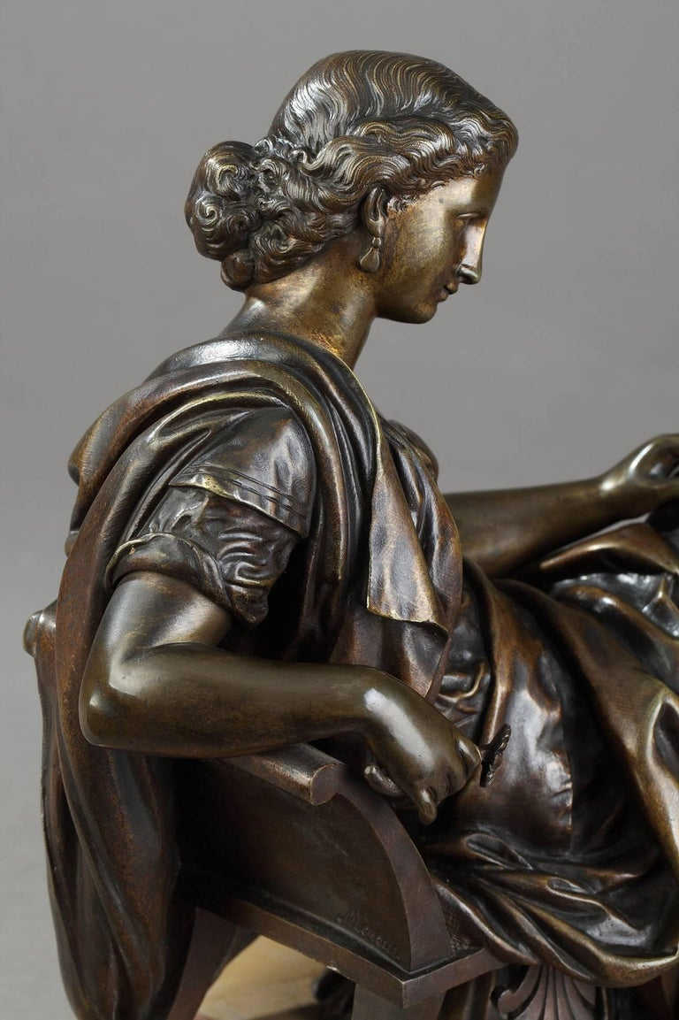 Bronze Sculpture Seated Woman by Moreau, after James Pradier In Good Condition For Sale In Paris, FR